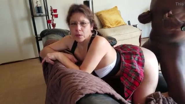 White mature in glasses bbc bull doggystyle