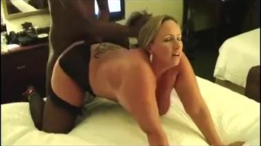 Dominant bull fucks mature sexy slutwife