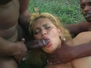 Beautiufl latin w big tits and ass gets bbc dp