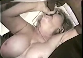Mature white mom w big tits gets bbc gangbang